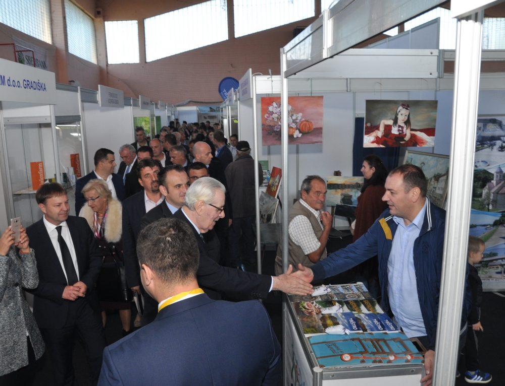 "Uspješno održan VIII Regionalni sajam privrede, poljoprivrede i turizma ""Kozarska Dubica 2018"""